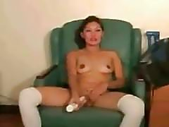 Asian amateur with white stockings toy fucking her