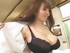 Busty Asian Hitomi Tanaka in public bath