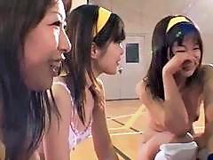 Amateur japanese schoolgirls loves exhibitionism
